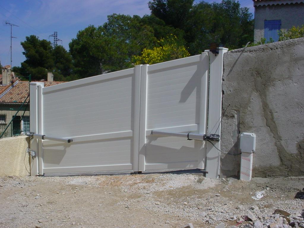 automatiser un portail en pente. Black Bedroom Furniture Sets. Home Design Ideas