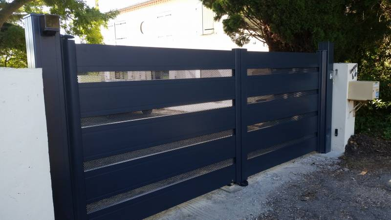 Portail battant en aluminium SIB contemporain et design Graveson ...