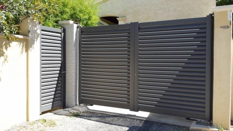 Installation portail automatique en aluminium saint martin de crau api control for Installation portail