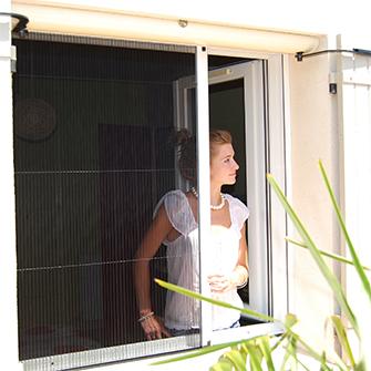 Moustiquaire pliss e fin a en aluminium msl pour fen tre for Porte fenetre avec moustiquaire